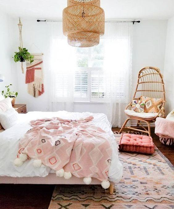 Kako opremiti dekliško sobo? Vodič po zadnjih trendih
